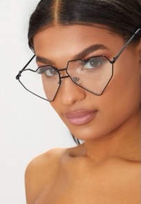 Black Clear Lens Structured Heart Sunglasses $12.00 - Pretty Little Thing